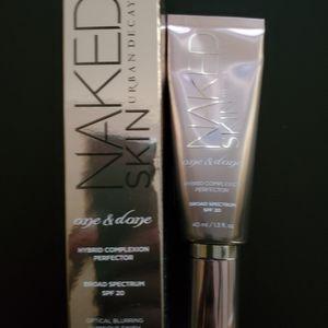 BNIB UD Naked Skin Perfector